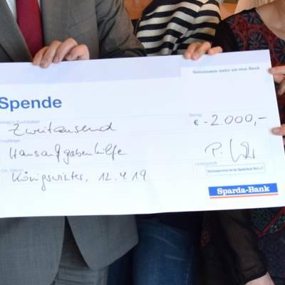 SpendenuebergabeFluechtlingshilfeSparda2019 SpendeDetail