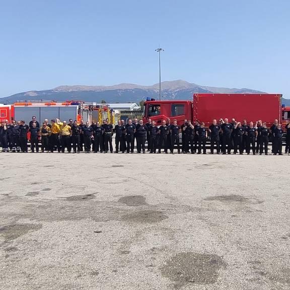 Die Waldbrandeinheit ist im Hafen von Igoumenitsa / Griechenland eingetroffen